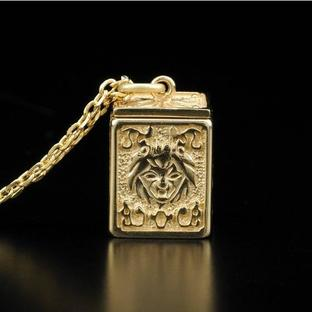 GOLD CLOTH BOX PENDANT LEO