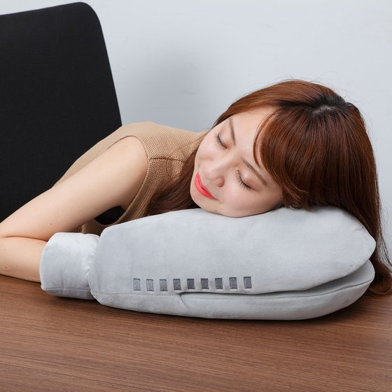 ARM CUSHION ALIEN BALTAN [March 2017 Delivery]