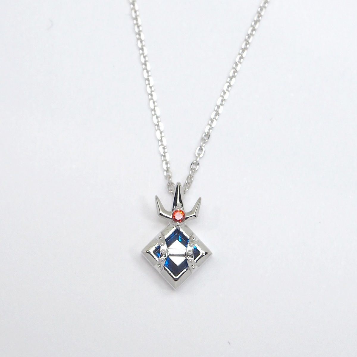 Kamen Rider W/MATERIAL CROWN Necklace