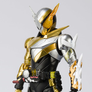S.H.Figuarts KAMEN RIDER BUILD TRIAL FORM RABBITDRAGON