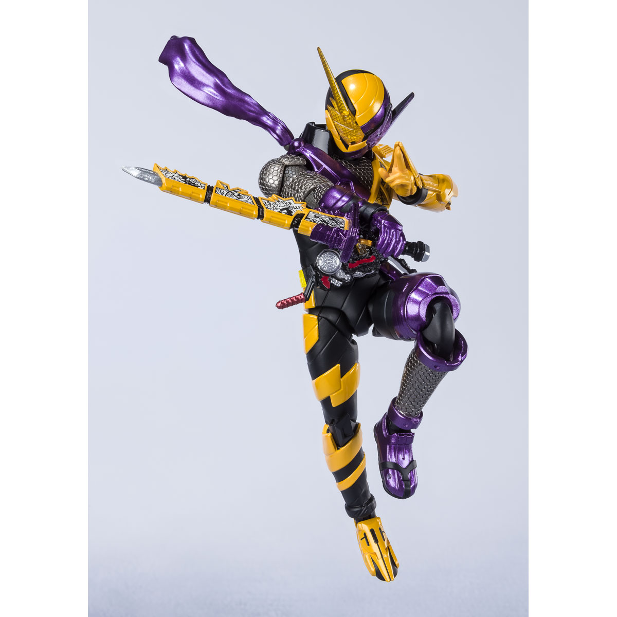 S.H.Figuarts KAMEN RIDER BUILD NINNINCOMIC FORM