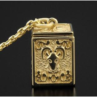 GOLD CLOTH BOX PENDANT CAPRICORNUS