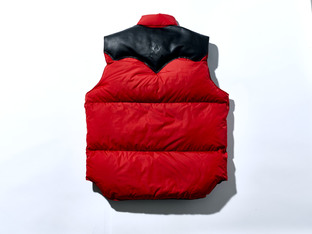 ROCKY  MOUNTAIN FEATHERBED 「GUNDAM」 Down vest Char