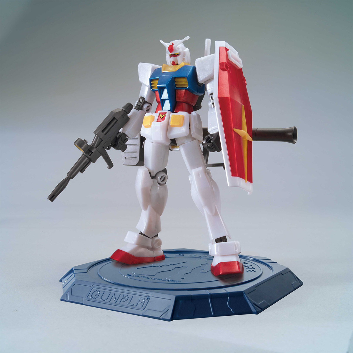 HG 1/144 THE GUNDAM BASE LIMITED RX-78-2 GUNDAM [METALLIC GLOSS INJECTION][Sep 2020 Delivery]