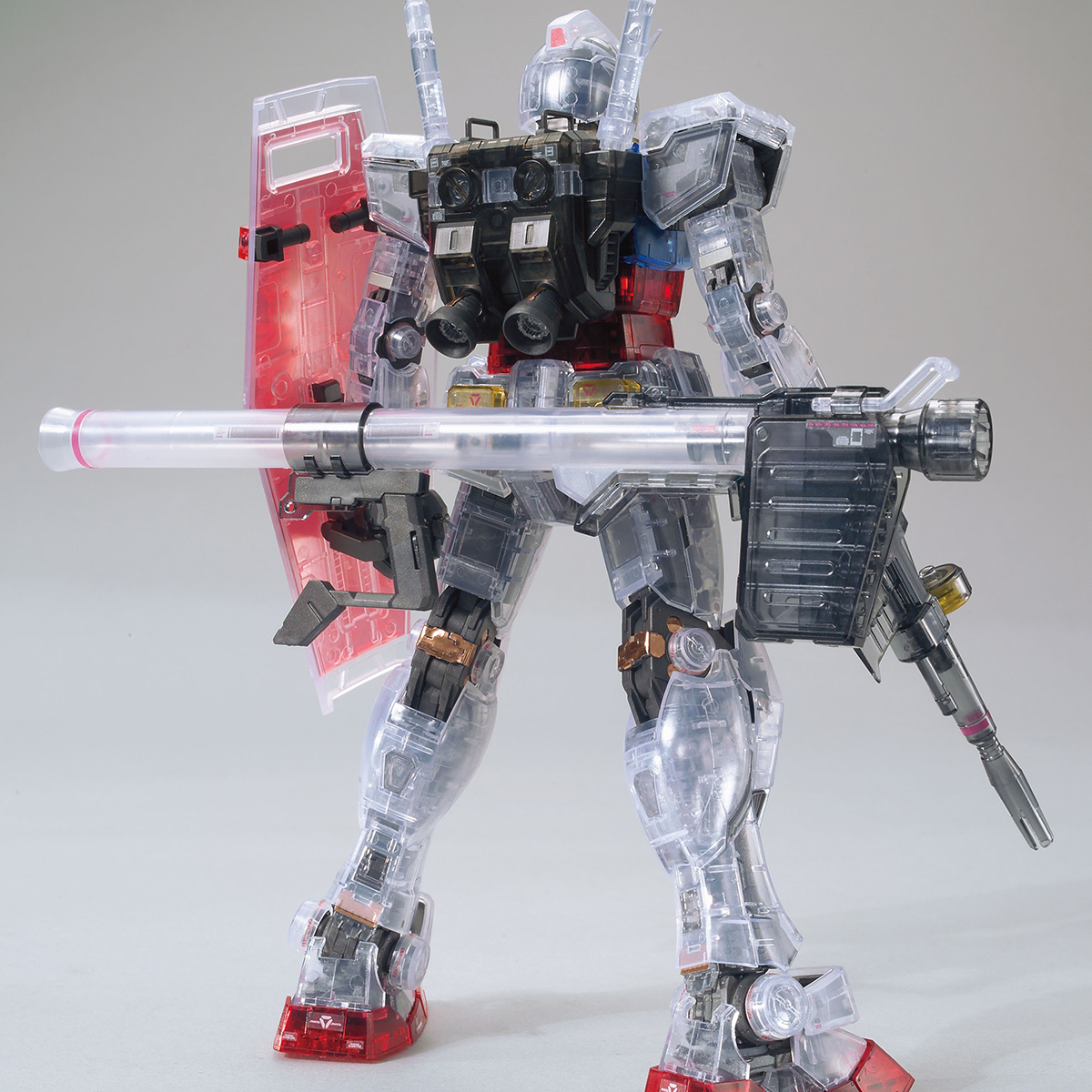 MG 1/100 THE GUNDAM BASE LIMITED RX-78-2 GUNDAM Ver.3.0 [CLEAR COLOR][Sep 2020 Delivery]