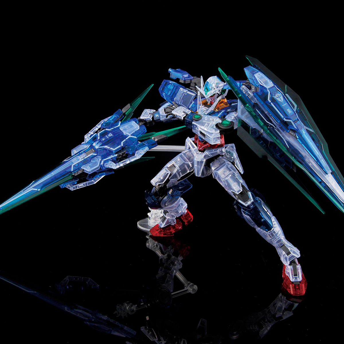 RG 1/144 THE GUNDAM BASE LIMITED OO QAN[T] FULL SABER[CLEAR COLOR][Sep 2020 Delivery]
