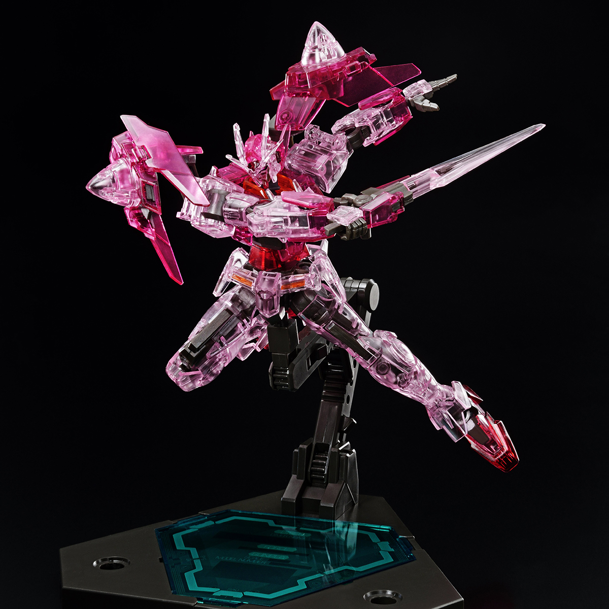 HG 1/144 THE GUNDAM BASE LIMITED GUNDAM 00 DIVER[TRANS-AM CLEAR][Sep 2020 Delivery]