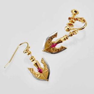 The Golden Arrow Clip On Earrings—JoJo's Bizarre Adventure: Golden Wind