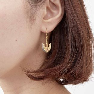 The Golden Arrow Earrings —JoJo's Bizarre Adventure: Golden Wind